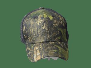Gorra tipo cazador con malla en la parte atras.