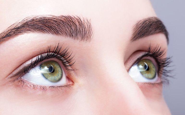 10 Kuriose Fakten über Augenbrauen Look