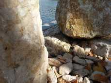 mopana-white-beautiful-rocks-08