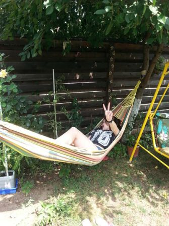 mopana-relaxation-in-the-hammock-01