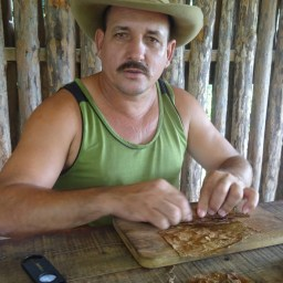 The cigars maker