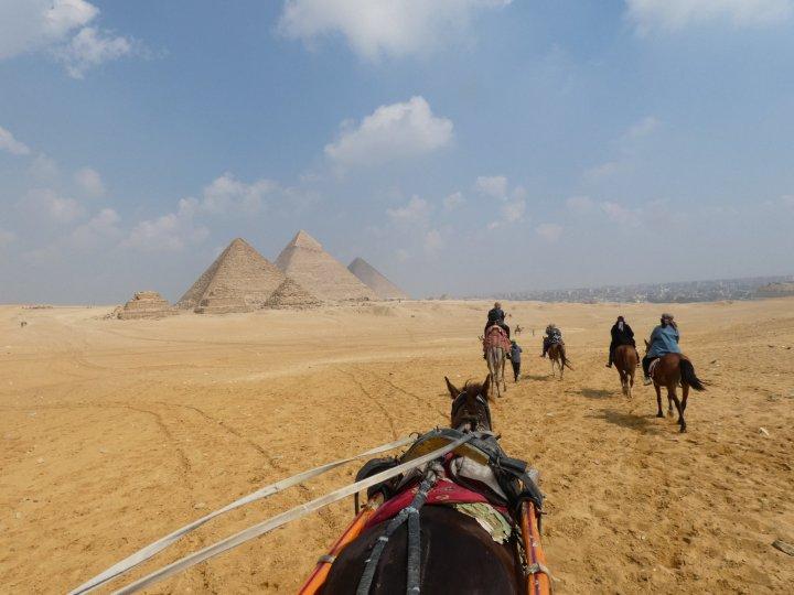 Guizah pyramids
