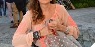 Daniela Santanchè borsa Cruciani cappello Borsalino occhiali Rayban