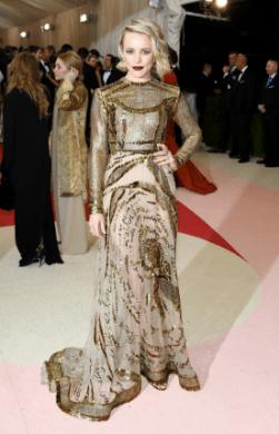 Rachel McAdams in Valentino Haute Coutre