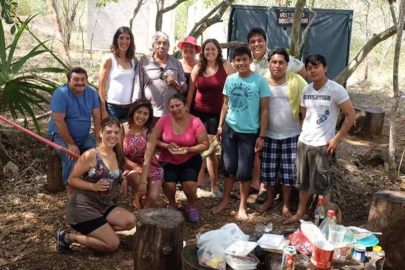 Pic-nic no cenote Yaxbakaltún
