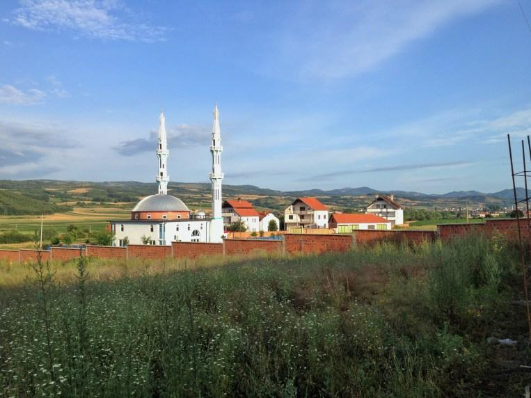 Xhamia në mëngjes.