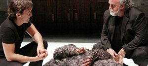El policía de las ratas directed by Àlex Rigola and starring Joan Carreras (left) and Andreu Benito (right). The rat is uncredited.
