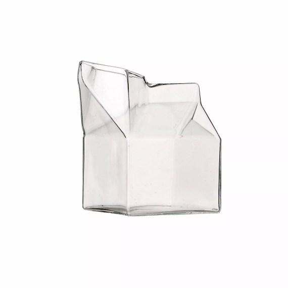 dizajnerski dzbanek na mleko kartonik