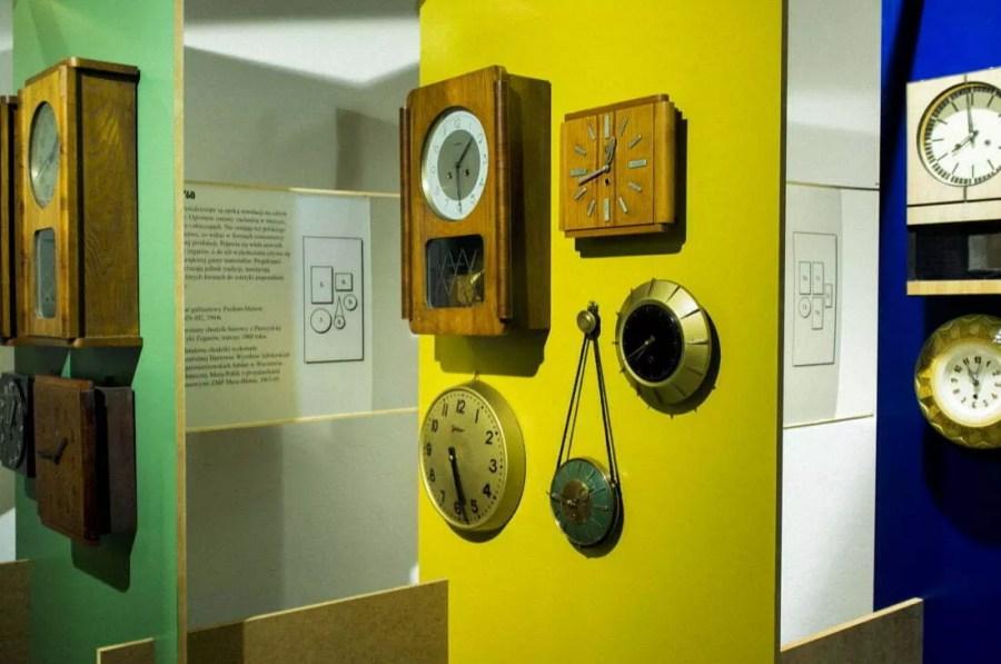 """Wystawa """"Pięć dekad zegarów"""""""