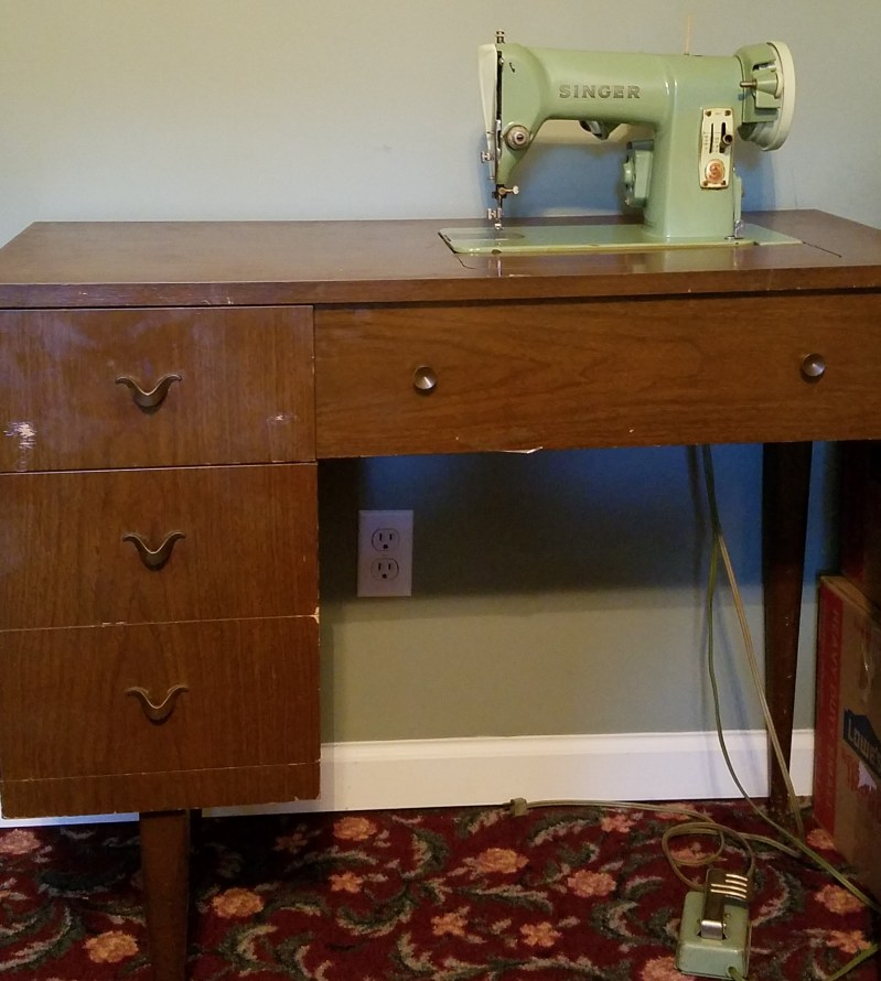 Tips And Tools Tuesday - A Vintage Machine, Some Elbow Grease, and Some Oil
