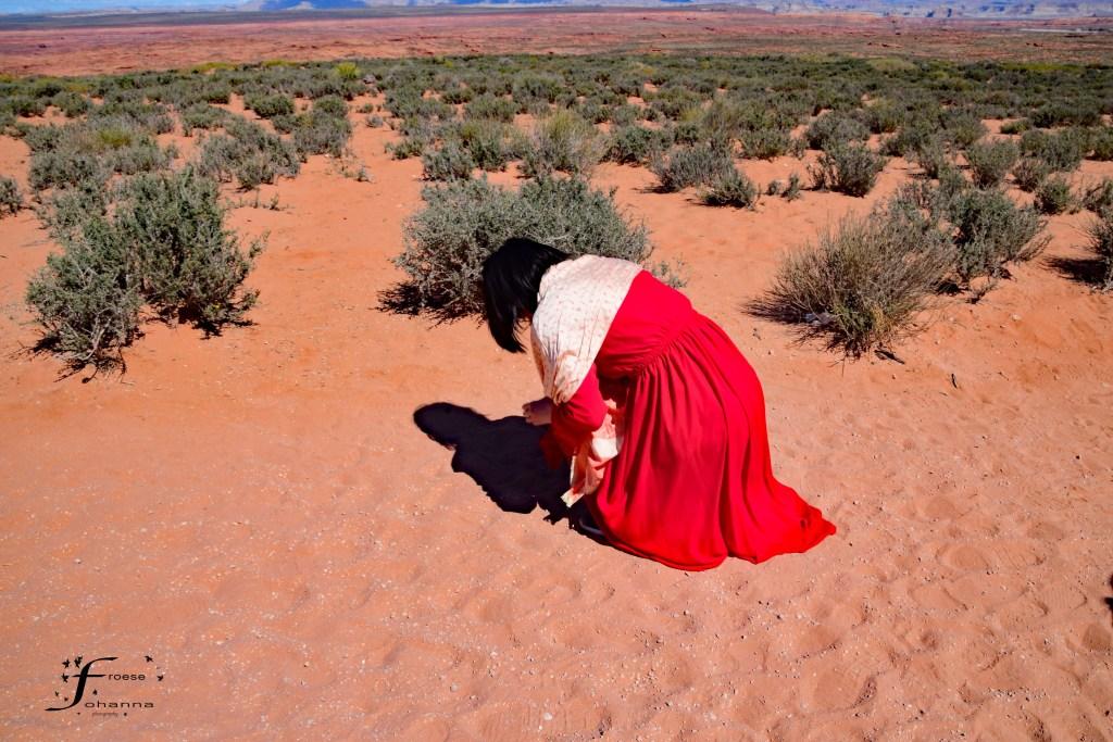 woman-in-the-desert