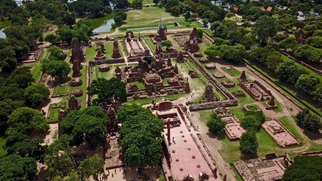 Drone view of Wat Maha That