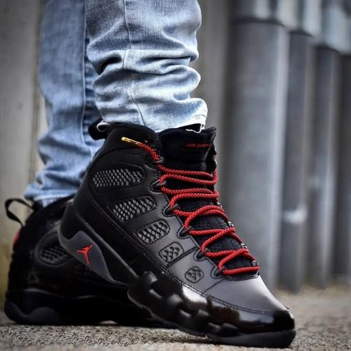 rope red black shoelaces on jordans