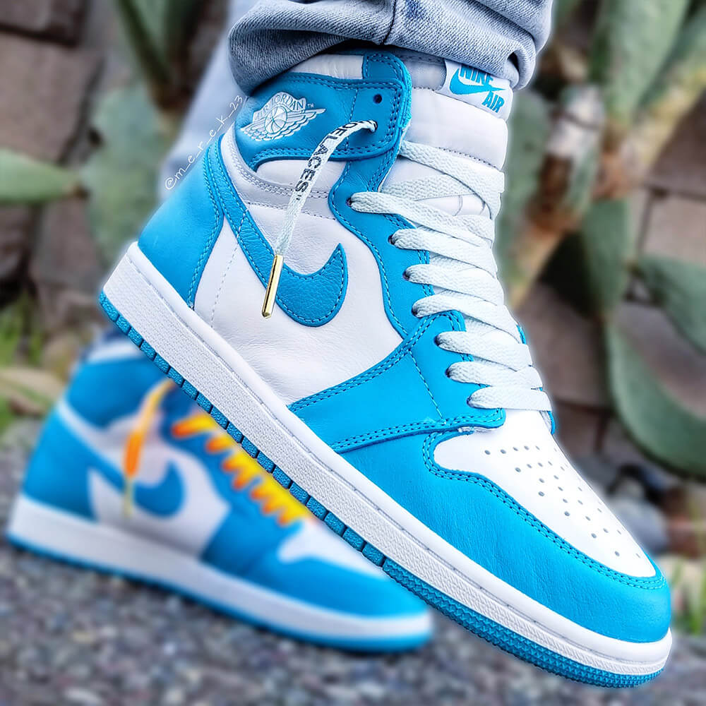white off-white shoelaces in unc 1