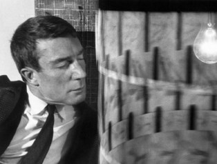 brion_gysin_with_dreamachine_at_musee_des_art_decoratifs-paris-1962 (600x455)