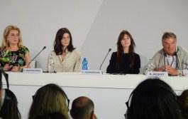 Catherine Deneuve, Chiara Mastroianni, Charlotte Gainsbourg, Benoît Jacquot