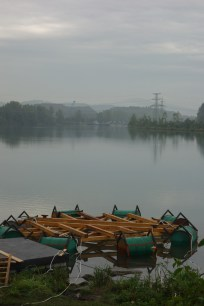 Misty morning on the Traun. The Floating Village main square comes into existence.