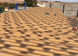 Proyecto de tejado en merendero y garaje panel sandwich teja
