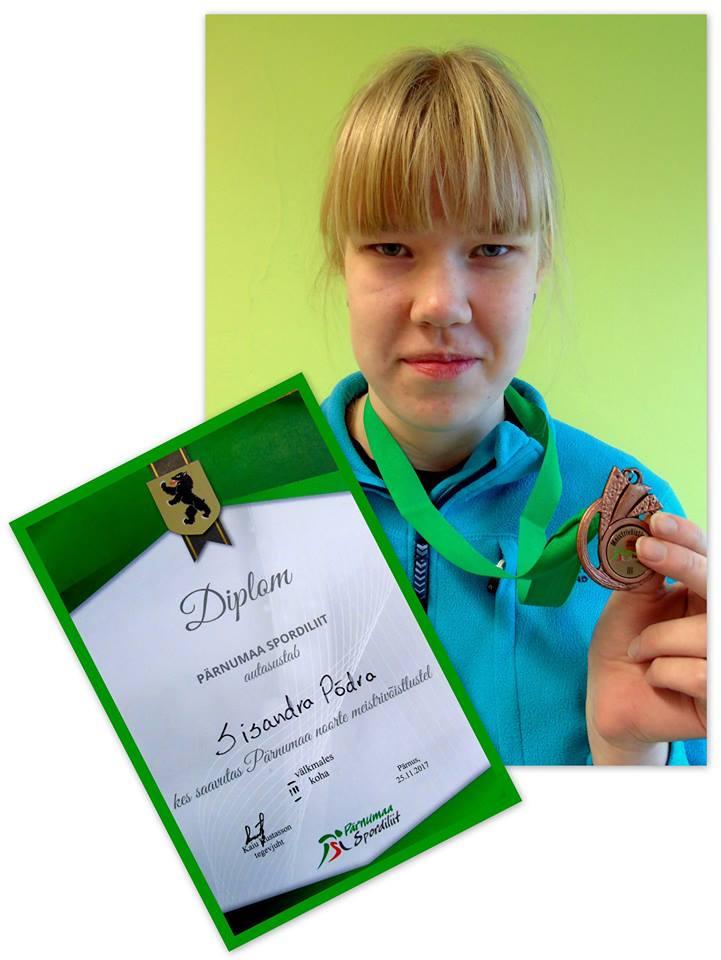 25. novembril toimunud Pärnumaa noorte meistrivõistlustel välkmales saavutas Sisandra Põdra väga tubli kolmanda koha ja Robin Kalde 4. koha. Palju õnne! Juhendaja õp Reet