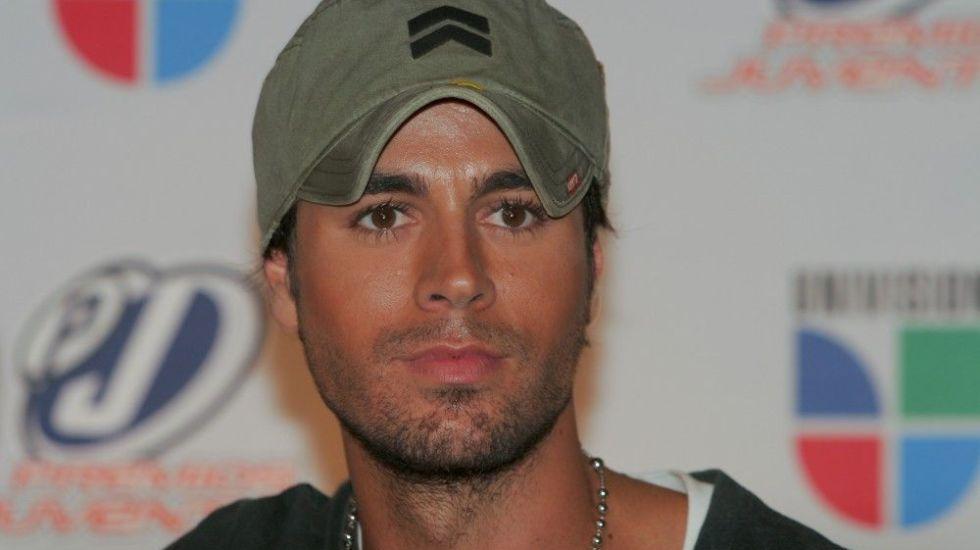 Enrique Iglesias y Romeo Santos, máximos ganadores de Premios Juventud - Internet