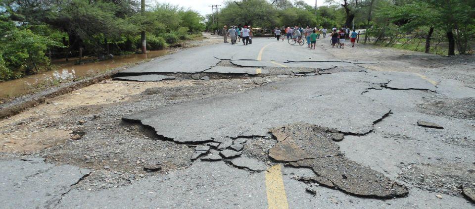 Invierten en Tamaulipas 258 mdp en carreteras afectadas por Ingrid - foto de Gobierno de Tamaulipas