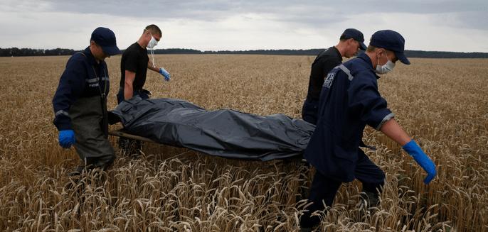 Retiran 258 cuerpos del vuelo 17 de Malaysia Airlines - Foto de Reuters