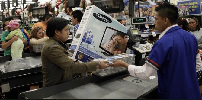 Aumenta confianza de consumidores y productores: INEGI - Foto de Reuters