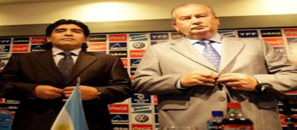 Maradona guardará un minuto de silencio por Grondona - Maradona y Grondona