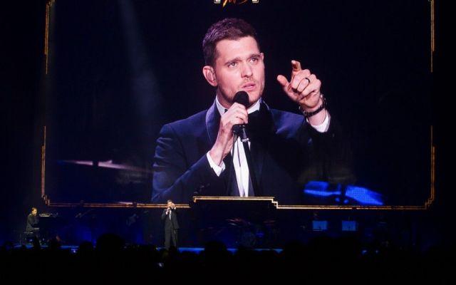 Michael Bublé cautiva a 'fans' en la Arena Ciudad de México - fotos de Notimex