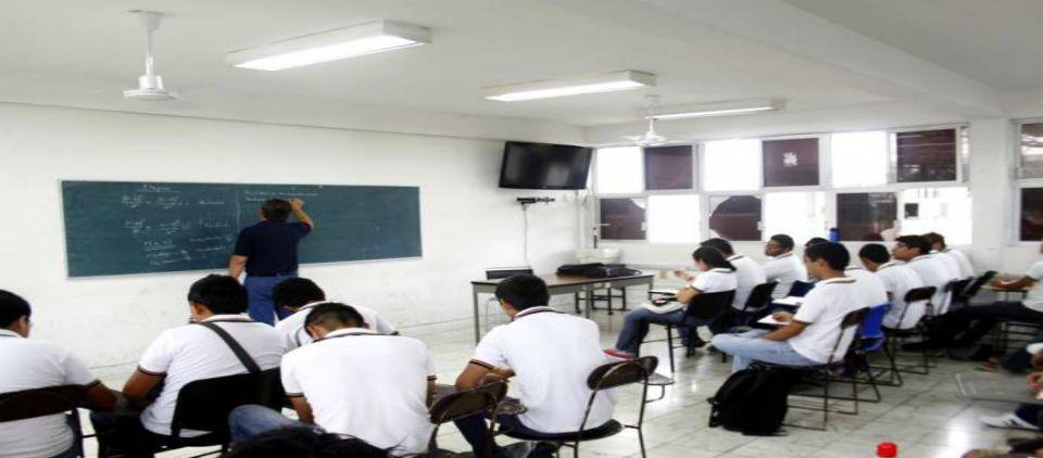 Sin preparación ideal el 67 por ciento de maestros de preparatoria - Faltan maestros con habilidades y conocimientos necesarios para impartir clases en preparatorias