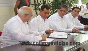 SEP dará 2 millones de becas para evitar deserción - El subsecretario de la SEP, Rodolfo Tuirán anunció 2 millones de becas.