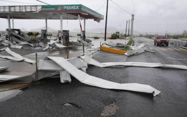 Interjet cancela vuelos por mal tiempo en Los Cabos y La Paz - Daños que va dejando el huracán Odile