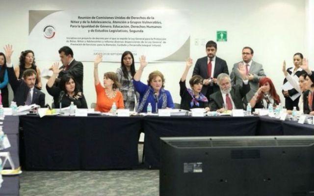 Senado aprueba en lo general Ley de los Derechos de los Niños - Foto de @MarthaElena_GG
