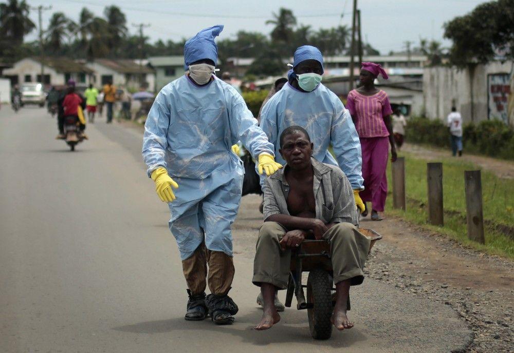 Clínicas de ébola atestadas rechazan a pacientes - Foto de AP