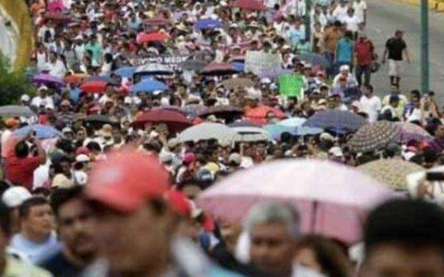Resguardan aeropuerto de Acapulco - Foto de AFP