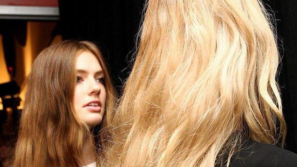 Nuevas reglas para lavarse el cabello - Foto de Harpers Bazaar
