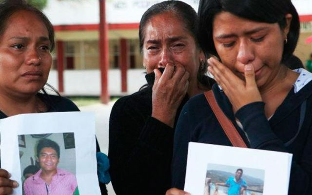 Madre oaxaqueña busca a su hijo normalista desaparecido en Guerrero - Foto de El Informador