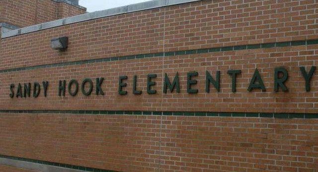 Alerta de bomba en escuela de EE.UU. - Foto de Univisión