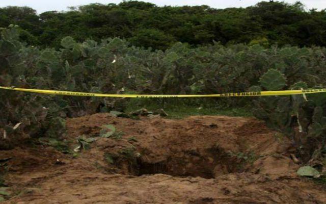 Encuentran cadáveres en tres fosas en Morelia