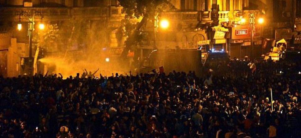 Protestan en Egipto por exoneración de Hosni Mubarak - Foto de Daily Mail