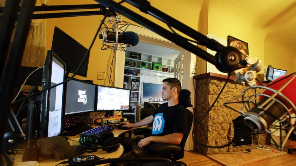 Jóvenes inician carrera profesional en los Videojuegos - AP/John Raoux