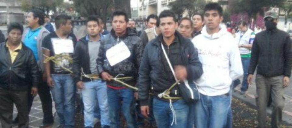 Entregan a infiltrados a CDHDF - Foto de Quadratín