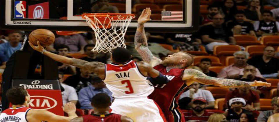 Wizards remonta para llevarse triunfo en Miami - Foto de AP