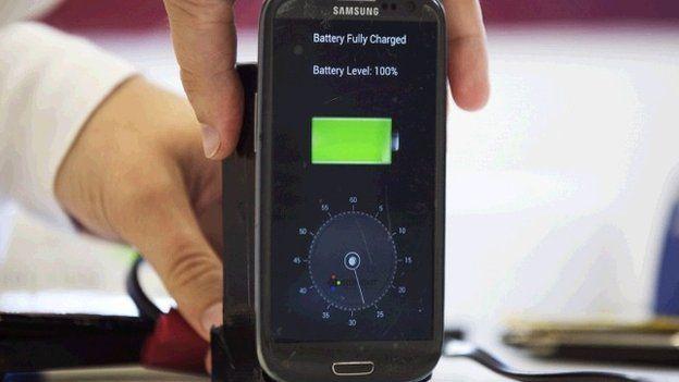 Desarrollan dispositivo que carga teléfonos en 30 segundos - Internet