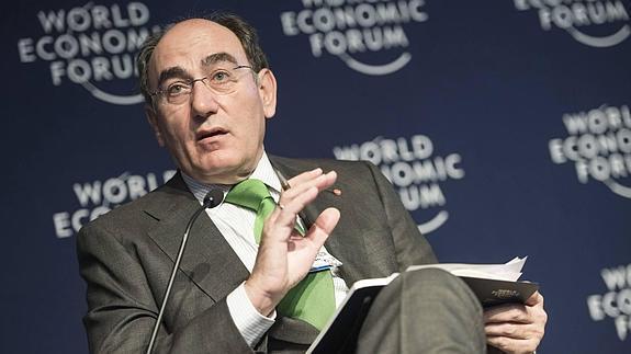 Elogian reforma energética de México en Davos - Ignacio Sánchez Galán