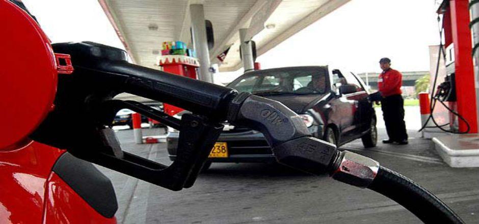 Pemex propone intercambio de petróleo con EE.UU - Bomba de gasolina