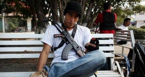 Liberan a exautodefensa detenido en Michoacán - Lico Villegas