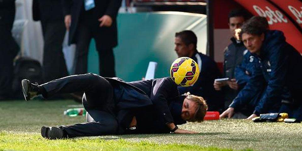 Goles argentinos y balonazo al técnico en victoria del Inter - Foto de Purely Football
