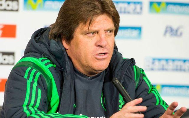 Miguel Herrera admite que quería golpear a Martinoli - Miguel Herrera en rueda de prensa