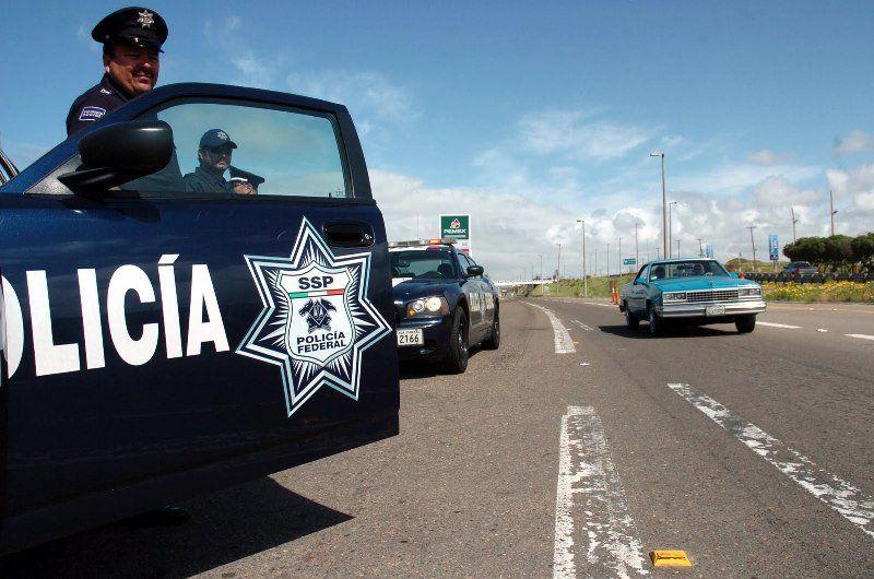 Al menos 5 mil 100 maestros de Oaxaca se evaluarán: Cué - Policía Federal